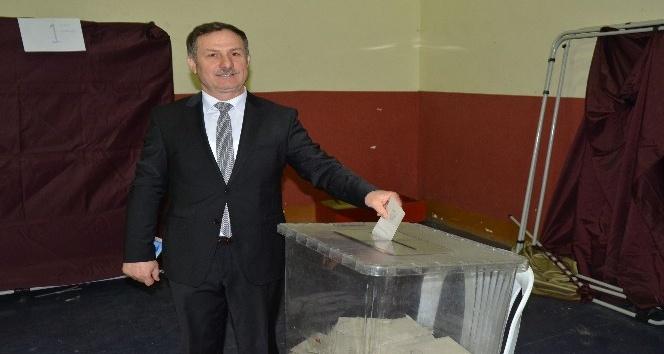 Başkan Cemal Paşalıoğlu güven tazeledi