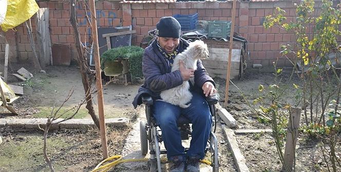 Engelli vatandaş yeni akü isterken gözyaşlarını tutamadı