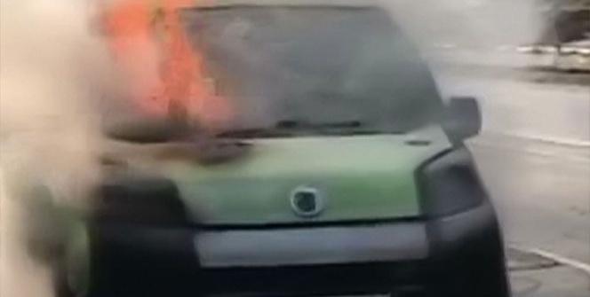 Bitlis'te seyir halindeki araç alev alev yandı