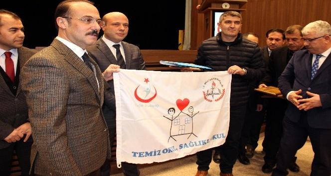 Yozgat'ta 110 okula beyaz bayrak ödülü verildi