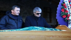 Ünlü sanatçı Cengiz Kurtoğlunun acı günü