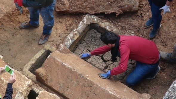 Kazıda bulunan lahitler boş çıktı