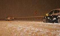 Kayseride kar yağışı: Ekipler yolları açmak için seferber oldu