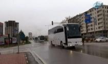 ÖSO askerleri otobüslerle Suriyeye sevk ediliyor