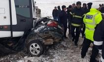 Kahramanmaraşta yolcu otobüsü ile otomobil çarpıştı: 1 ölü, 2 yaralı