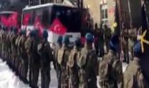 Sınır kapılarına gönderilen askerler alkışlar ve marşlar eşliğinde uğurlandı