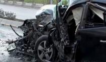Otomobil minibüsle kafa kafaya çarpıştı: 5 yaralı