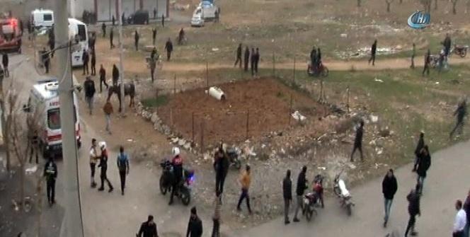 Kilis'te polis evi ve valilik konağı yakınına 2 roket düştü