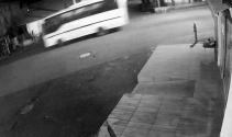 Servis kazası öncesi midibüs güvenlik kamerasına yansıdı