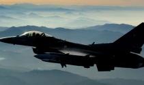 Üsten peş peşe 4 adet F-16 savaş uçağı havalandı!