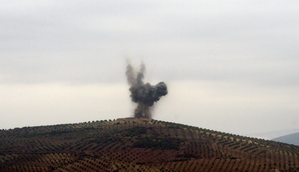 Afrin'de 2 askerin şehit olduğu mevziler yerle bir edildi