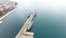 Üç savaş gemisi Sinopa demirledi