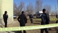 10 çocuk annesi yaşlı kadın 17 yerinden bıçaklanarak öldürüldü