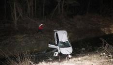 Kontrolden çıkan otomobil sulama kanalına uçtu: 2 yaralı