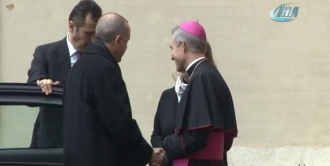 Cumhurbaşkanı Erdoğan Vatikan'da törenle karşılandı