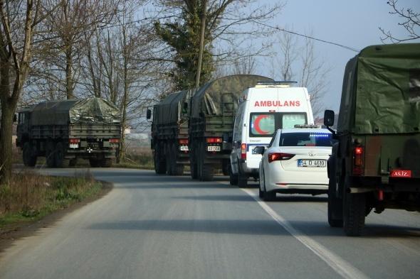 Şehir merkezinden kışlaya taşınan tanklar vatandaşı şaşırttı