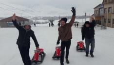 Özel çocuklar Ovacıkta kayakla tanıştı