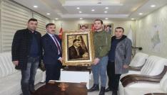 İl Başkanı Aydına portreli hediye