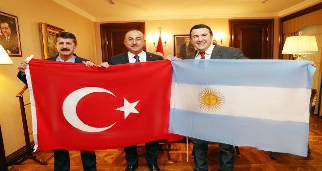 Arjantin'de yaşayan oyuncudan Bakan Çavuşoğlu'na ziyaret