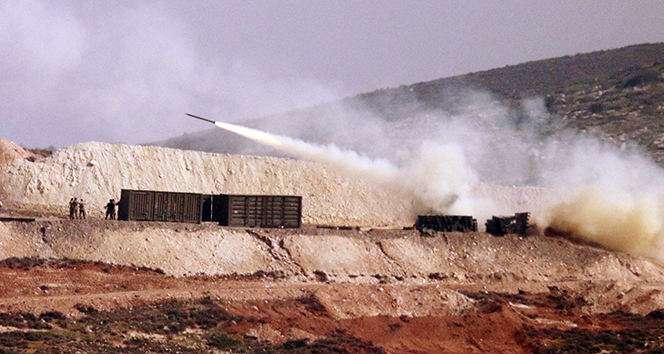 Çok namlulu roket atarlardan Afrine yoğun atış