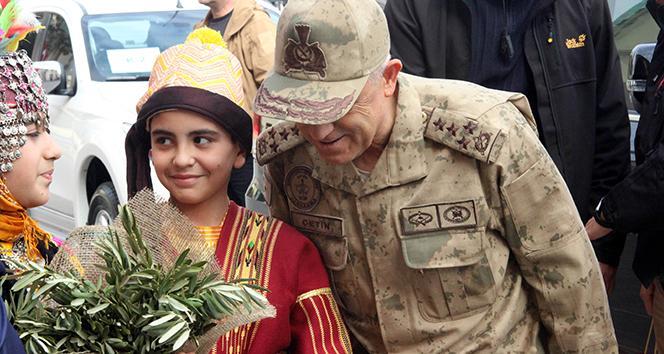 Jandarma Genel Komutanı Orgeneral Çetin, zeytin dalları ile karşılandı