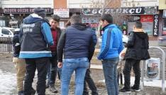 Karst polis okul önlerinde uçurtmuyor