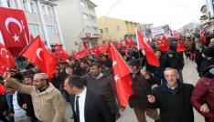 Ağrıda Mehmetçiğe destek için binler yürüdü