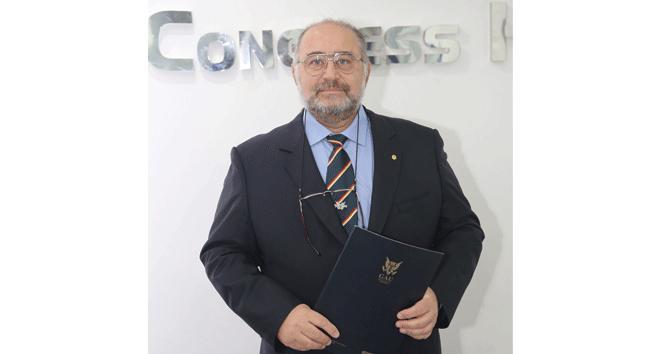"""Prof. Dr. Barlas N. Aytaçoğlu """"Aşırı sağlık takıntısı, hayatınızın stresidir"""""""