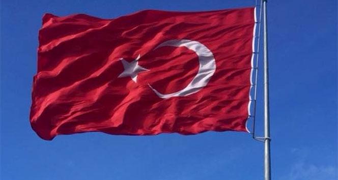 Kosova'da Türk bayrağına çirkin saldırı