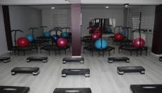 Hakkaride kadınlara özel ilk spor salonu açıldı