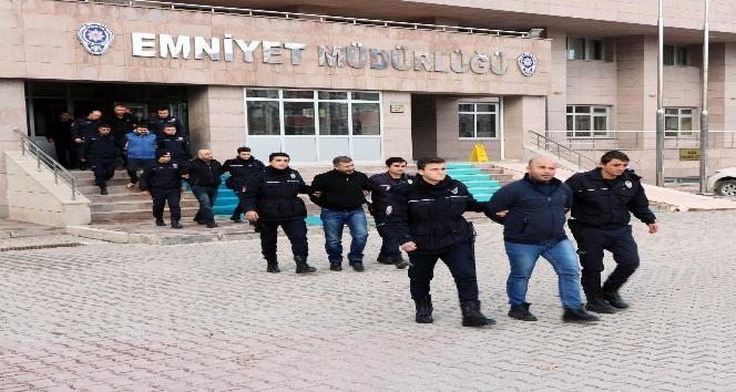 Yozgat'ta tefeci çete adliyeye sevk edildi