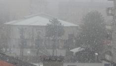 Hakkaride karla karışık yağmur