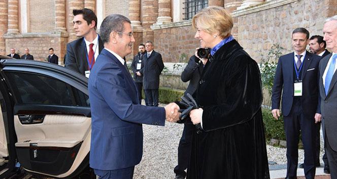 Milli Savunma Bakanı Canikli, Roma'da