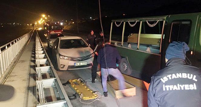 Arnavutköyde 1i kadın 2 kişinin cesedi bulundu
