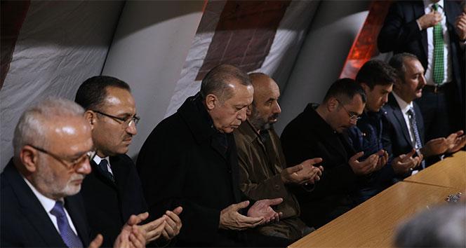 Cumhurbaşkanı Erdoğan, şehit ailesini ziyaret etti...