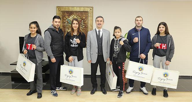 Başkan Şirin, şampiyonları uğurladı