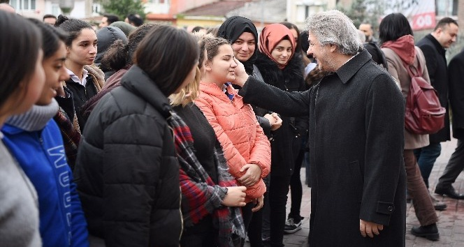 """Başkan Demircan: """"Yazılım (Kodlama) kursları ile öğrencilerimizi geleceğe hazırlıyoruz"""""""