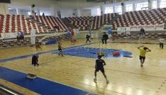Ağrıda Analig Badminton grup müsabakaları sona erdi