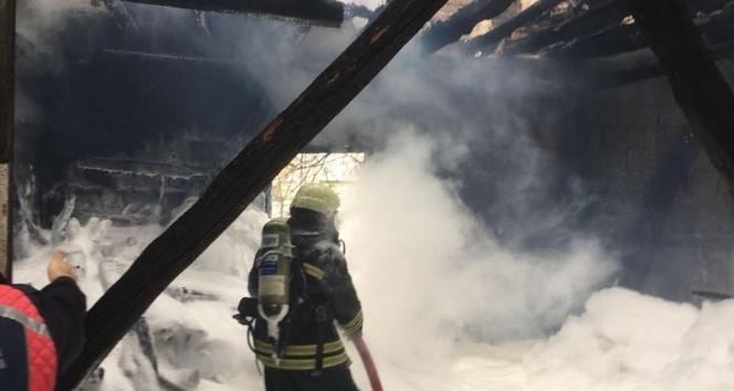 Sobadan çıkan kıvılcım evi yaktı |Zonguldak haberleri