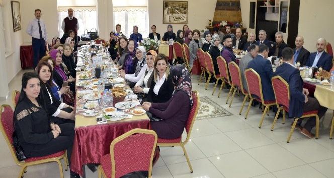 Yozgat'taki okuma yazma seferberliğine STK'lardan destek