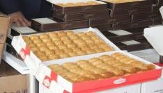 Mehmetçiğe Sevgililer Gününde 500 kilo baklava