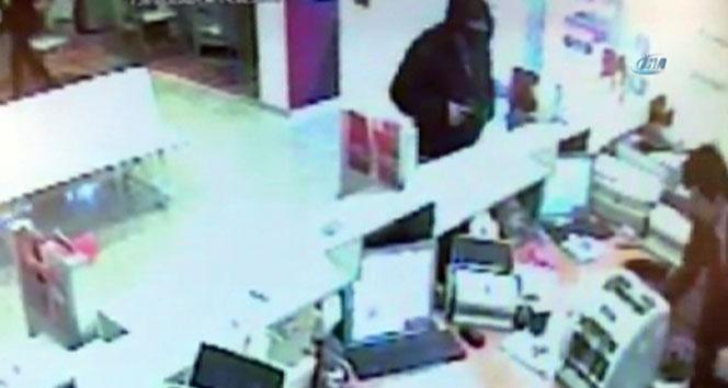 Üsküdardaki banka soygunu güvenlik kamerasında
