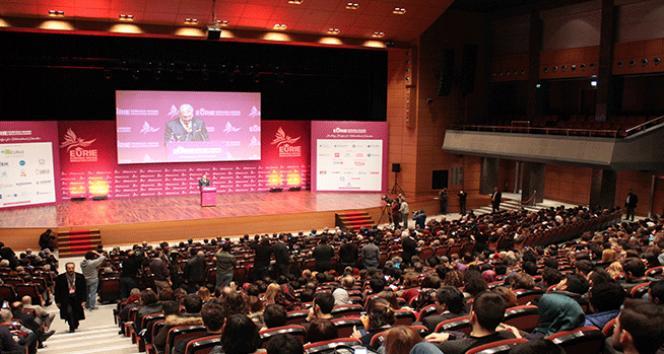 Dünyanın en büyük üçüncü eğitim zirvesi İstanbulda başladı