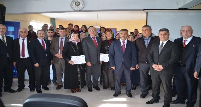 Girişimci adayları sertifikalarını Vali ve Başkan'dan aldı