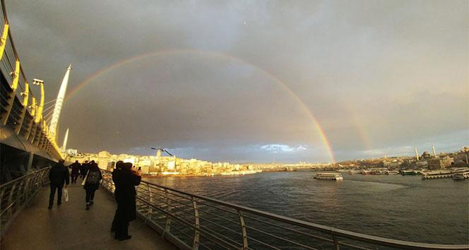 İstanbulda çift gökkuşağı sürprizi