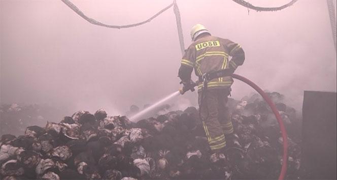 Uşak'ta fabrika yangını...