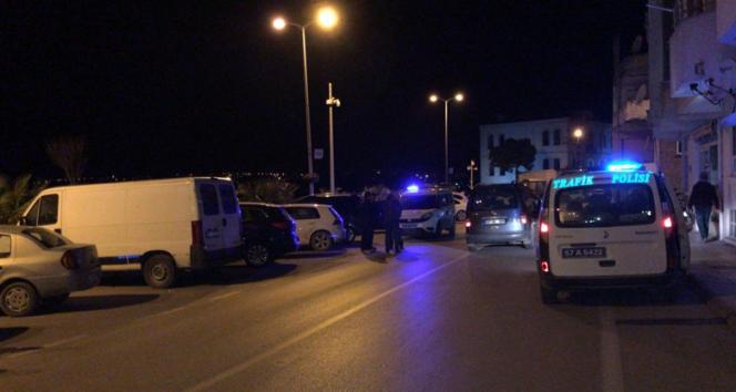 Sinopta motosikletle otomobil çarpıştı: 1 yaralı