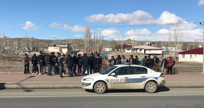 Horasanda 50 kaçak göçmen yakalandı