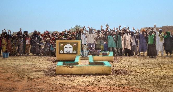 Modanisa'dan Afrika'ya iki su kuyusu
