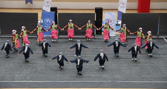 Tuşba'daki okullarda halk oyunları başarısı